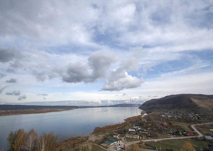 Вид на Ширяево со смотровой площадки Поповой горы