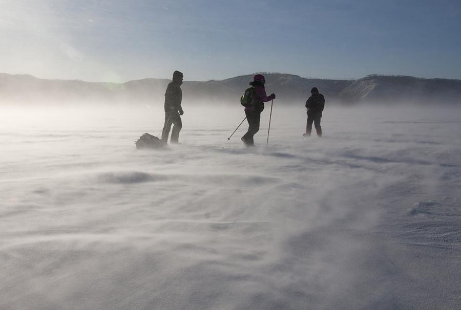 Зимний переход через Волгу в ботинках Karrimor